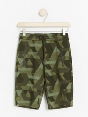 Jersey Shorts with Abstract Pattern Green