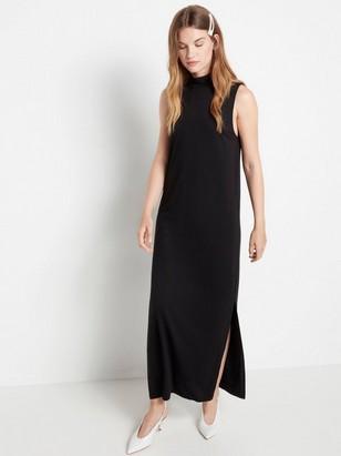 Černé šaty bez rukávů Černá