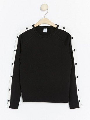 Top with Buttons to Sleeves Black