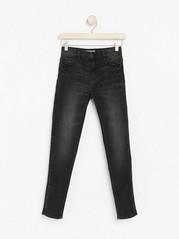 Černé úzké džíny skamínky Černá