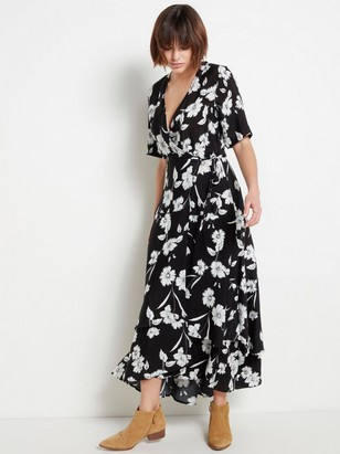 Dlouhé černé šaty skvětinami Černá