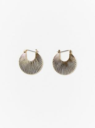 Guldfärgade örhängen i snäckdesign Gul