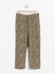 Leopardikuvioidut pyjamahousut Beige