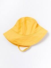 Keltainen sadehattu Keltainen