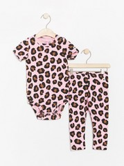 Leopard patterned set with bodysuit and leggings Pink