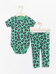 Leopardikuvioitu body ja leggingsit Vihreä