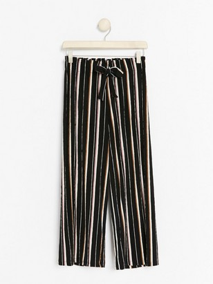 Wide cropped trousers Black