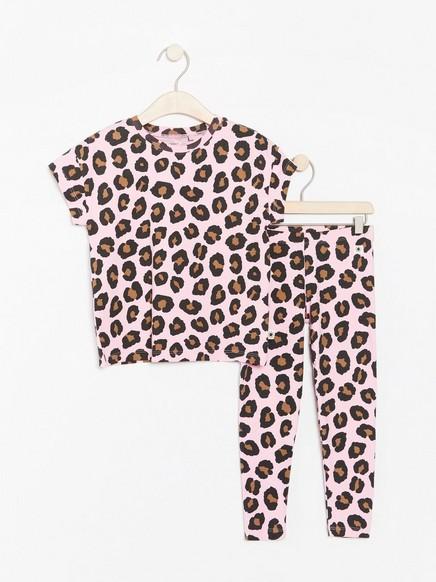 Setti, jossa leopardikuvioitu t-paita ja leggingsit Vaaleanpunainen