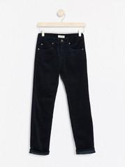 Přiléhavé manšestrové kalhoty Modrá