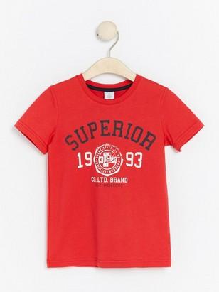 Červené tričko spotiskem Červená