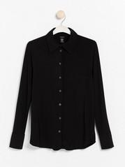 Musta pitkähihainen paita Musta