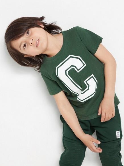 Trikoo-t-paita, jossa kirjainpainatus Vihreä