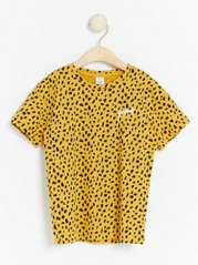 Oversized short sleeve t-shirt with pattern Yellow