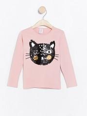 Vaaleanpunainen pusero, jossa kissa käännettävistä paljeteista Vaaleanpunainen
