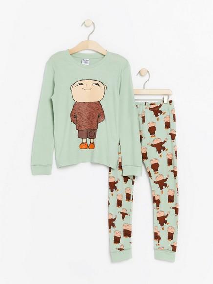 Vaaleanvihreä pyjama, jossa Mikko Mallikas -painatus Vihreä