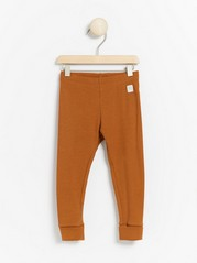 Ribbestrikket leggings Brun