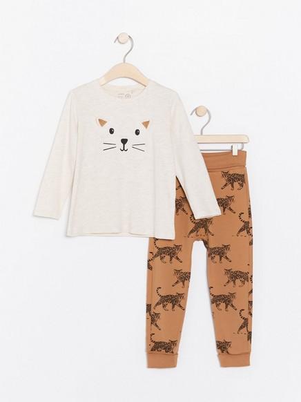 Setti, jossa kissa-aiheiset pusero ja housut Beige