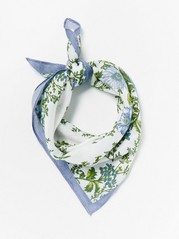 Floral scarf in viscose  White