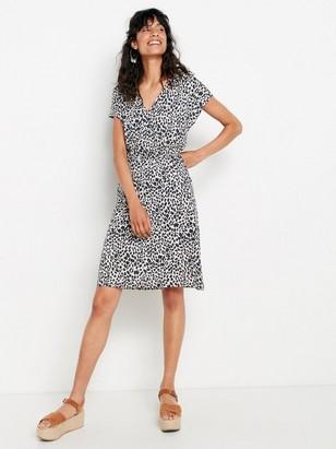 Leopardikuvioitu mekko lyocell-sekoitetta Harmaa