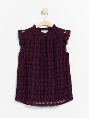 Lace top with short collar  Lilac