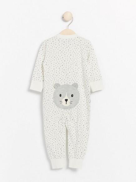 Hvit pyjamas med grå prikker og katteapplikasjon Hvit