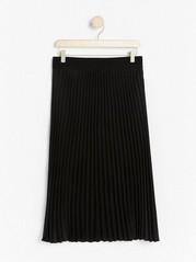 Černá plisovaná sukně Černá