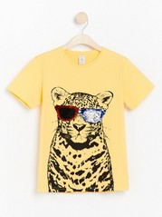Yellow t-shirt with reversible sequins Yellow