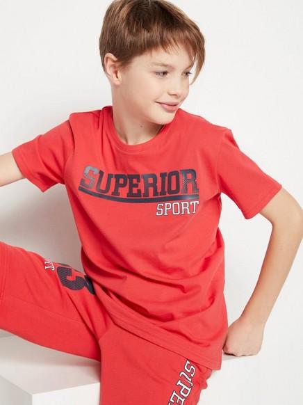T-paita, jossa kumipainatus edessä Punainen