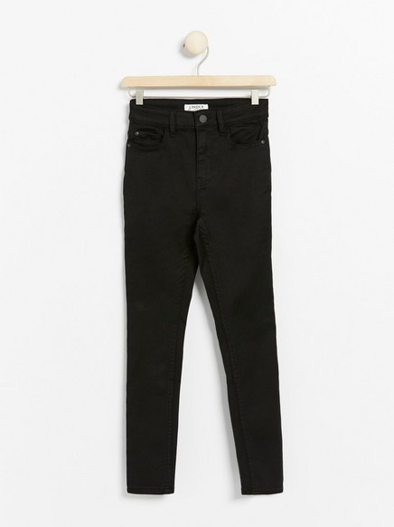 Svart, slank bukse med høyt liv med ekstra stretch Svart