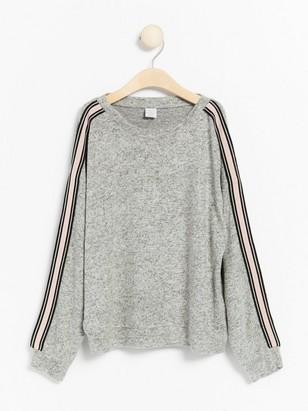 Melerad finstickad tröja Grå