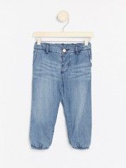 Lette, fôrede jeans Blå