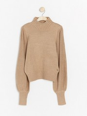 Knitted jumper with wide sleeves  Brown