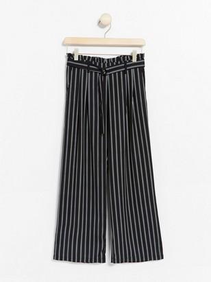 Vid, stripet bukse med paperbag-midje Svart