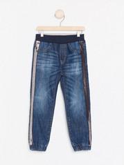 Loose fit jeans med paljettrevär Blå