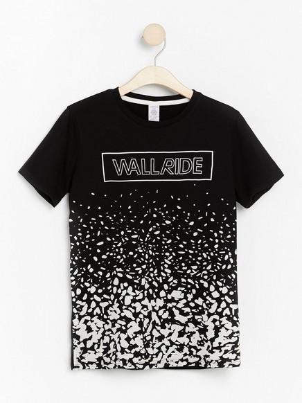 Kortermet T-skjorte med trykk på forstykket Svart