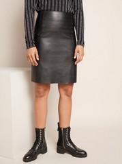 Svart kjol i läderimitation Svart