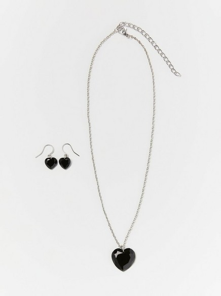 Set with earrings and necklace with hears Metal