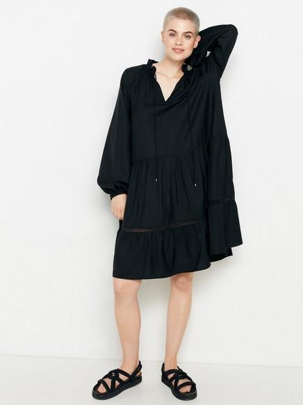 Svart, kortermet kjole Svart