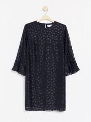Mørk marineblå kjole med blanke prikker Blå
