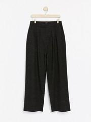 Kalhoty sširokými nohavicemi Šedivá