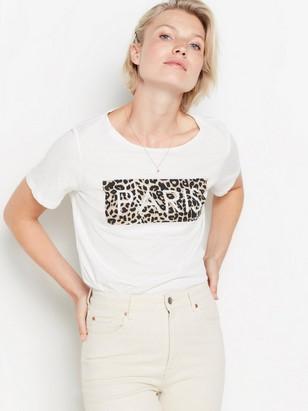 Valkoinen t-paita, jossa painatus Valkoinen