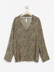 Leopardmönstrad pyjamasskjorta Beige