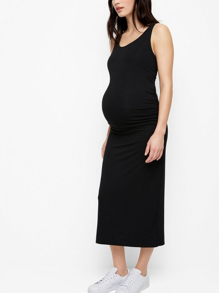 Černé šaty MOM Černá