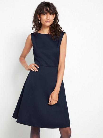 Ermeløs marineblå kjole Blå
