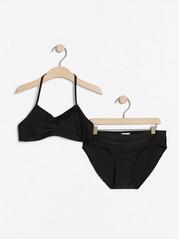 Halterneck-bikinit, joissa röyhelö Musta