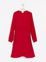 Langermet rød kjole Rød