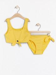 Keltaiset bikinit, joissa on solmittavat nauhat Keltainen