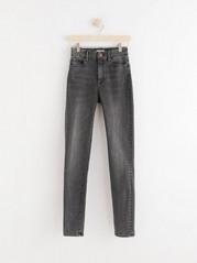 CLARA Curve superstretch-jeans med high waist Svart