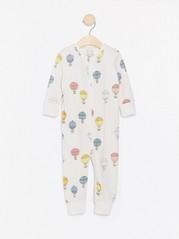 Pyjama, jossa kuumailmapalloja Valkoinen