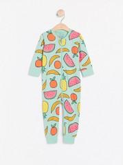 Turkoosi pyjama, jossa hedelmiä Turkoosi